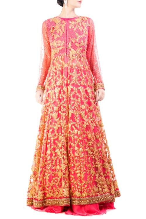 Flaunt your baby bump in style this wedding season