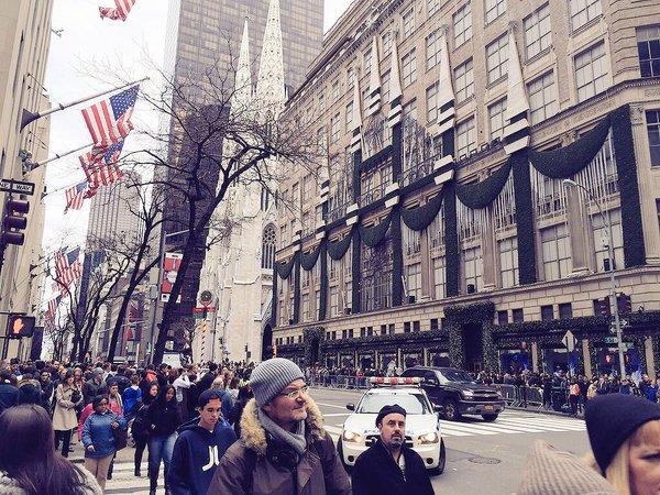 Mohit Suri twitted this photo: In #NYC for #half girlfriend recce! It's Christmas season @chetan_bhagat @EkmainaurEktu7