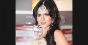 Bridal make up from Aashmeen Munjaal's studio.