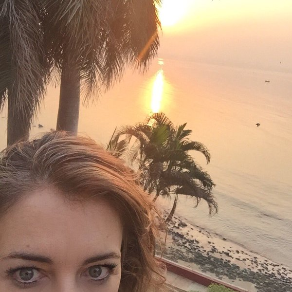 Elizabeth Hurley's 'siesta time' in India
