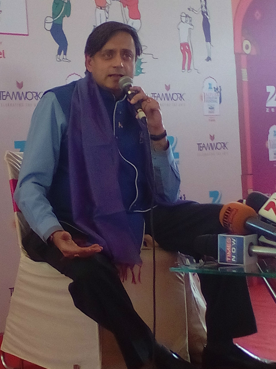 Congress leader Shashi Tharoor addressing a press conference at ther Jaipur Literature Festival
