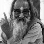 Swami-chinmayananda-bW