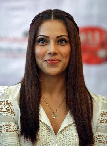 Bipasha Basu (Photo: CelebrityTonic)