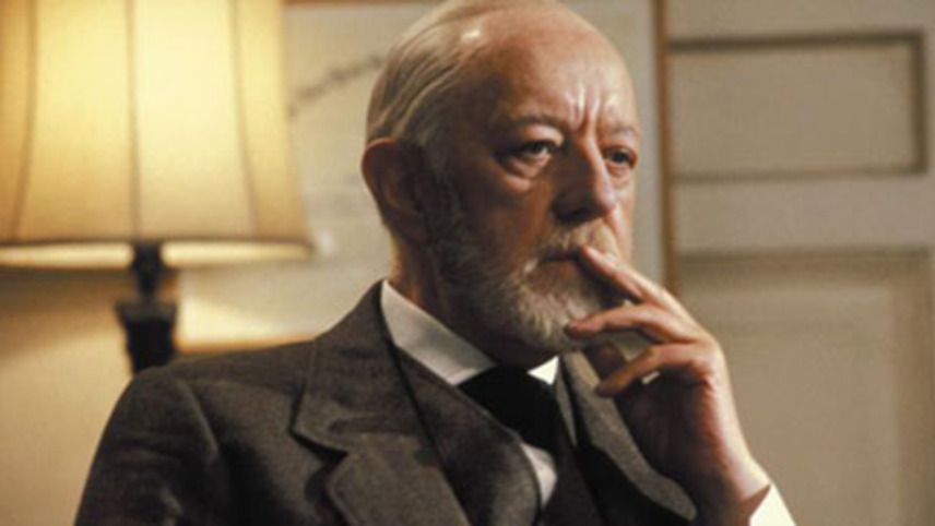 """Legendary actor Alec Guinness as Sigmund Freud's ghost in 1983 film """"Lovesick"""""""