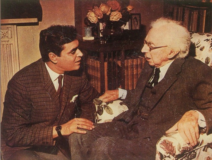 """An Indian doctor (Rajendra Kumar) seeks career advice from Betrand Russell in 1967 Hindi film """"Aman"""""""