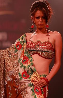 Suman Chowdhury Saree model (Photo courtesy Saree Times)