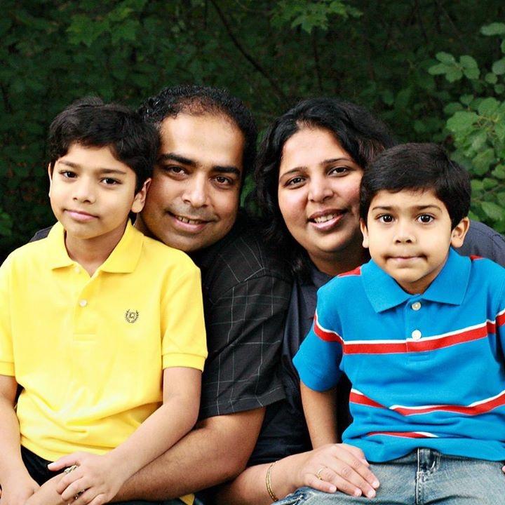 Gandhi family (Photo: Facebook)