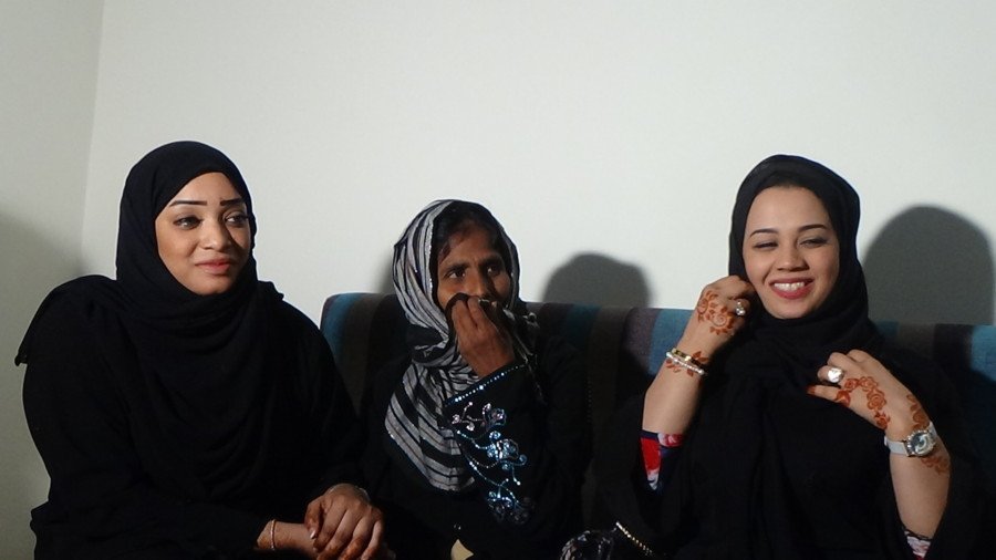 Two UAE women reunited with Indian mother after 28 years