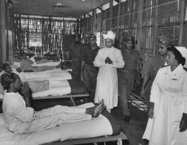 President S. Radhakrishnan visiting injured soldiers during the 1962 India-China War