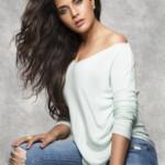 Richa Chadha-Jeans