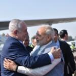 Benjamin Netanyahu-Modi-hug