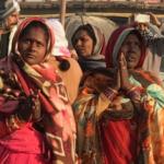 Kumbh-Watchin-women