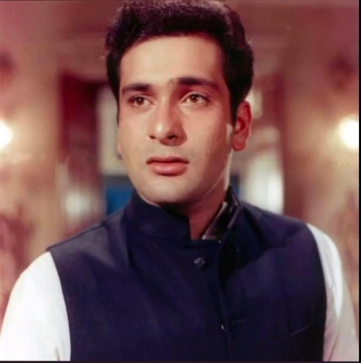 Bollywood mourns the demise of Rajiv Kapoor