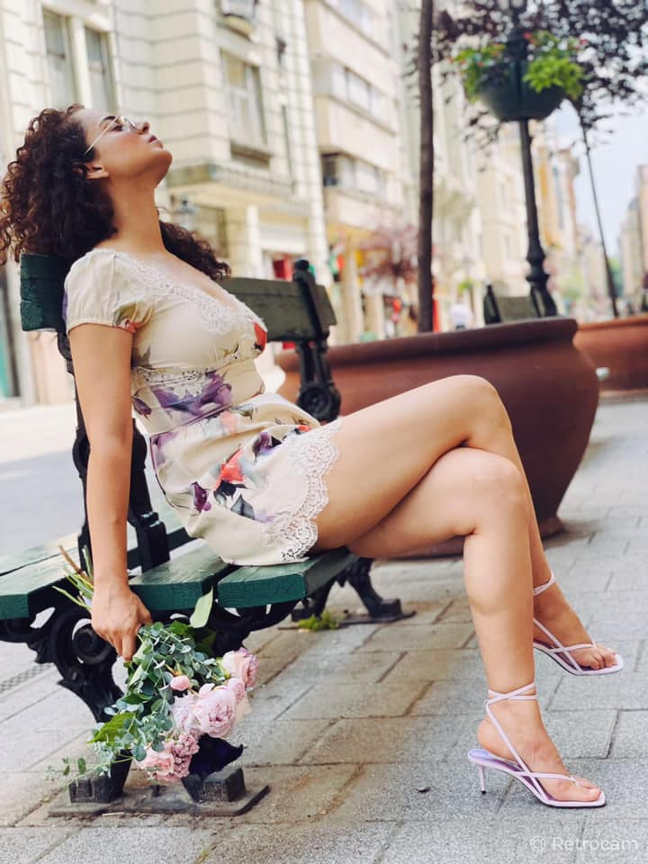 Kangana treats fans with breezy pictures from Budapest - INDIA New England  News